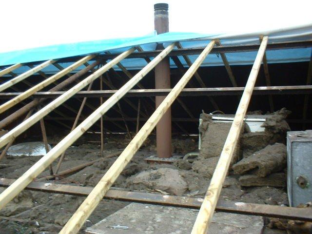 Ceiling Hanging beams & floating Joists bisf house