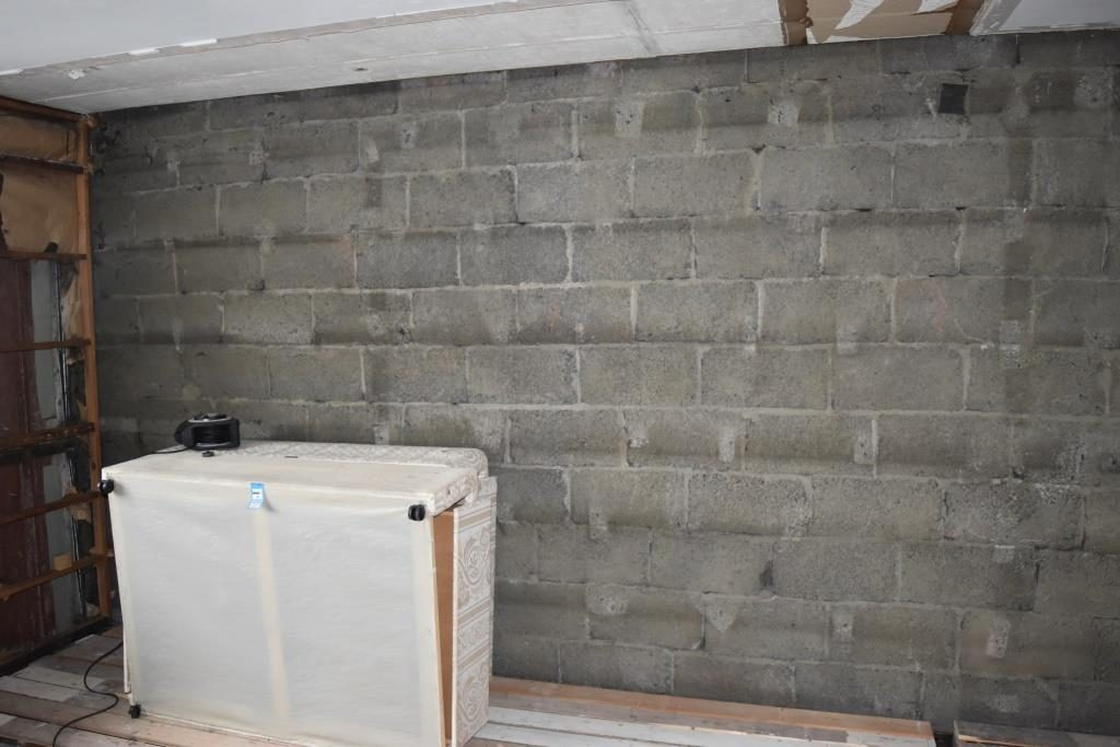 Party wall in bedroom
